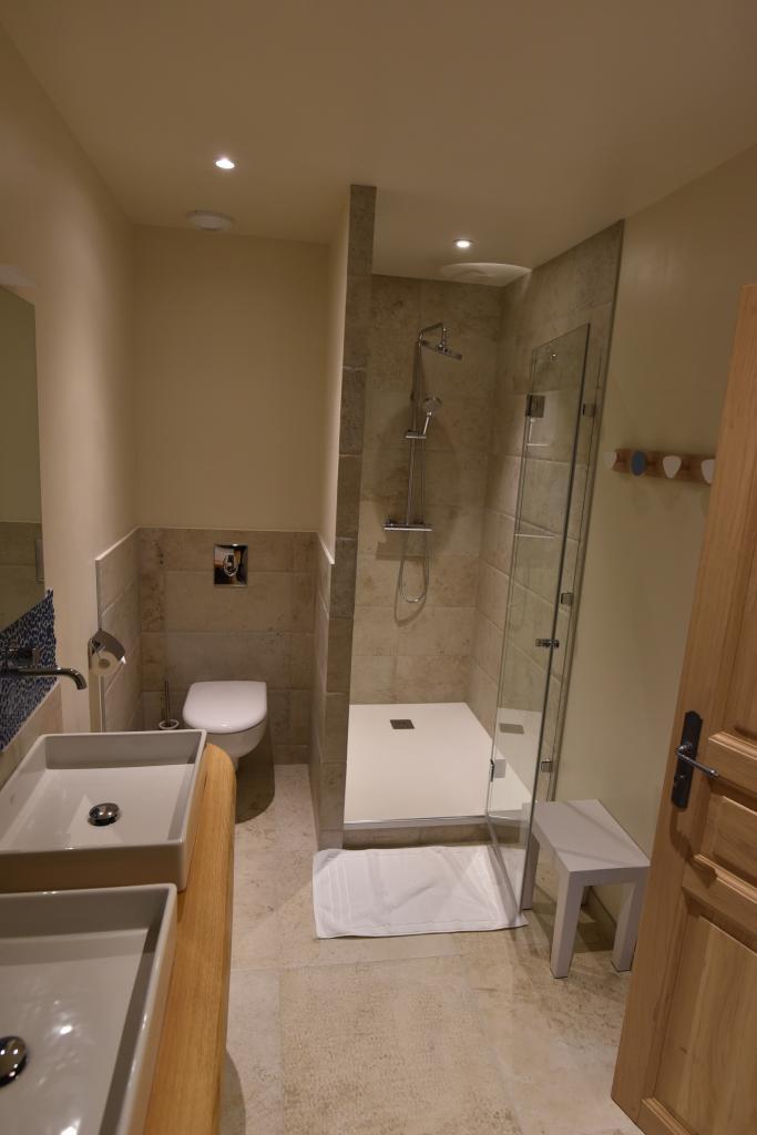 Suite Mont Saint Michel Shower