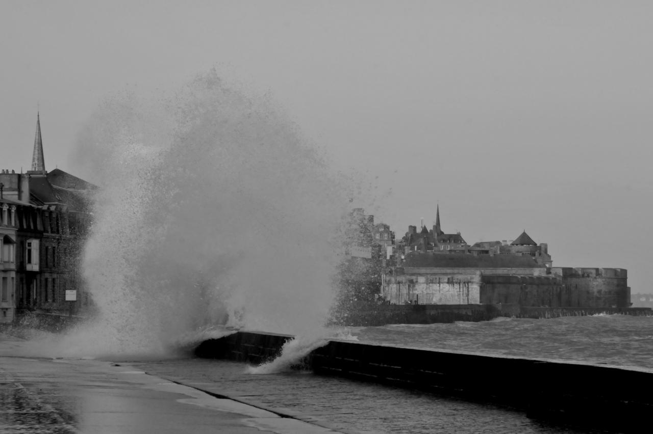 High tide Saint Malo