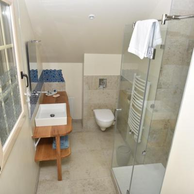 Double Room Chausey bath room