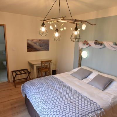 Double Room Chausey Bed